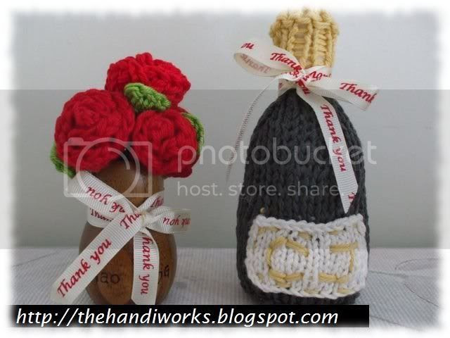 wedding crochet favour champagne bottle and roses bouquet