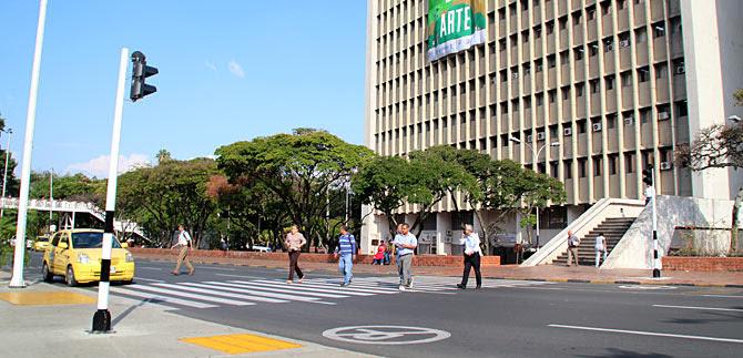 Semáforos peatonales del CAM se activan este lunes, para seguridad de peatones