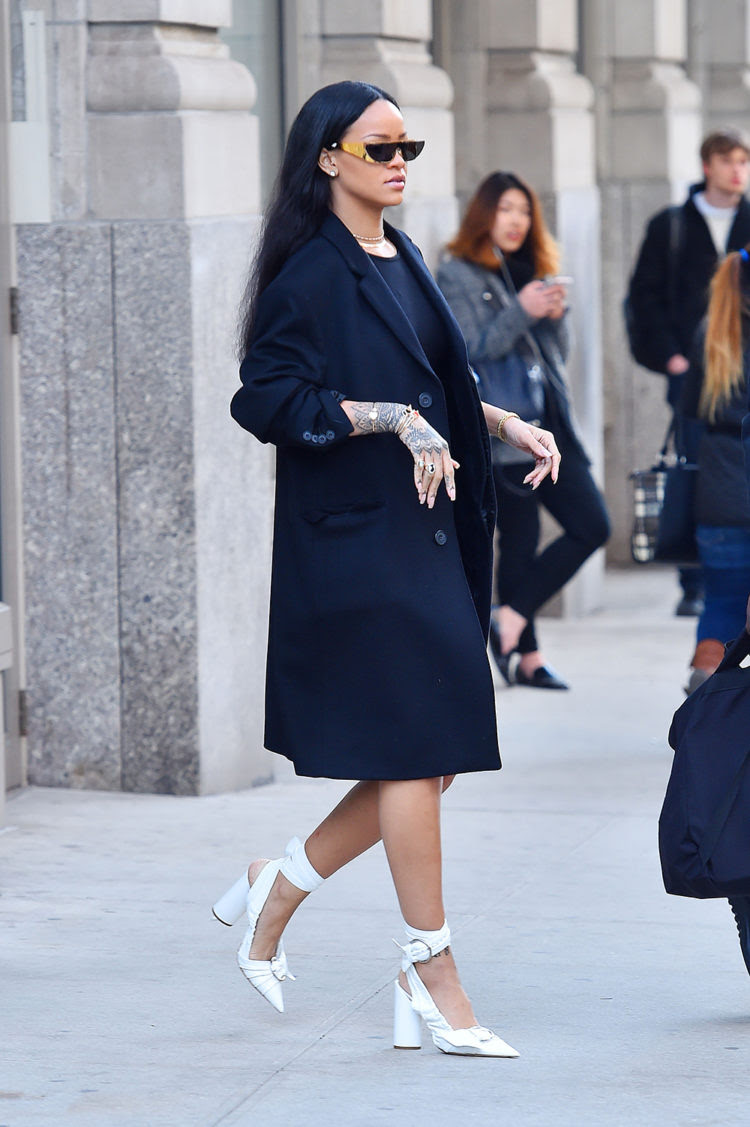 24 outfits from rihanna we wanted to try for going out  fpn