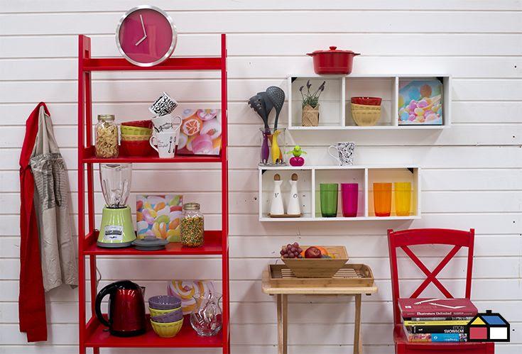 Si tu hogar no tiene mucho espacio pero tus ansias de decoradora son enormes, puedes darle un toque aplicando color a pequeños elementos.. #Deco #Interior #Decoración #Red #Rojo