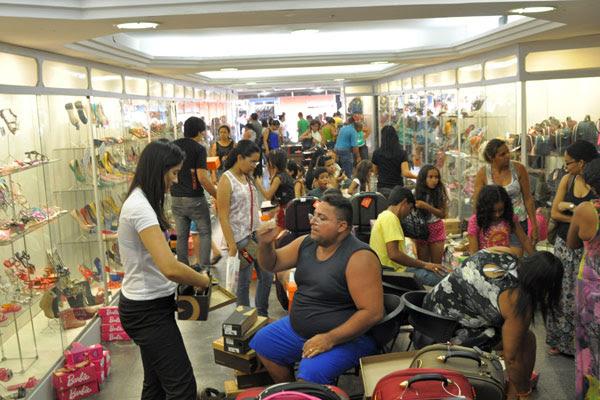 Lojas de shopping poderão permanecer fechadas após jogos