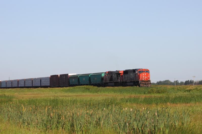 CN 5607 in Winnipeg