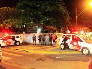 PM faz blitz em rua de Mongaguá (Foto: Divulgação/Prefeitura de Mongaguá)