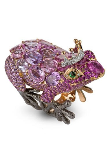 Lydia Courteille's Frog Ring: yellow gold and rhodium, pink sapphires, diamonds and green garnets.