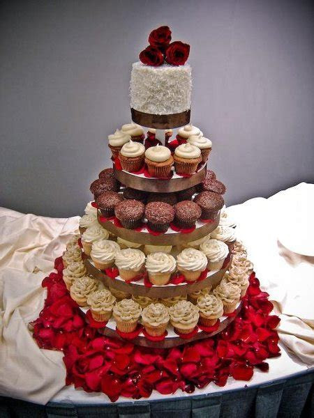 Trophy Cupcakes and Party   Seattle/Bellevue, WA Wedding Cake