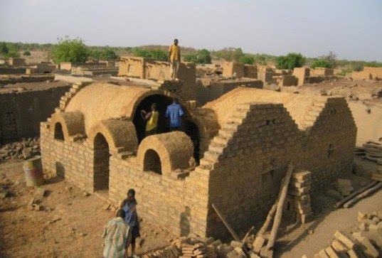 Earth Roofs of the Sahel, earth structures, timberless houses, Africa, Buckminster Fuller Challenge, Buckmister Fuller Institute, green building, green design,