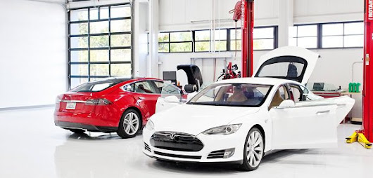 The Disadvantages and Advantages of Tesla Model S vs Nissan LEAF - Torque News