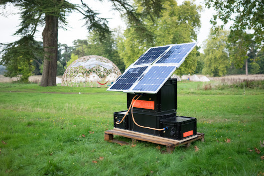 This Open Source DIY Solar Generator Unfolds Like a Flower | Make: