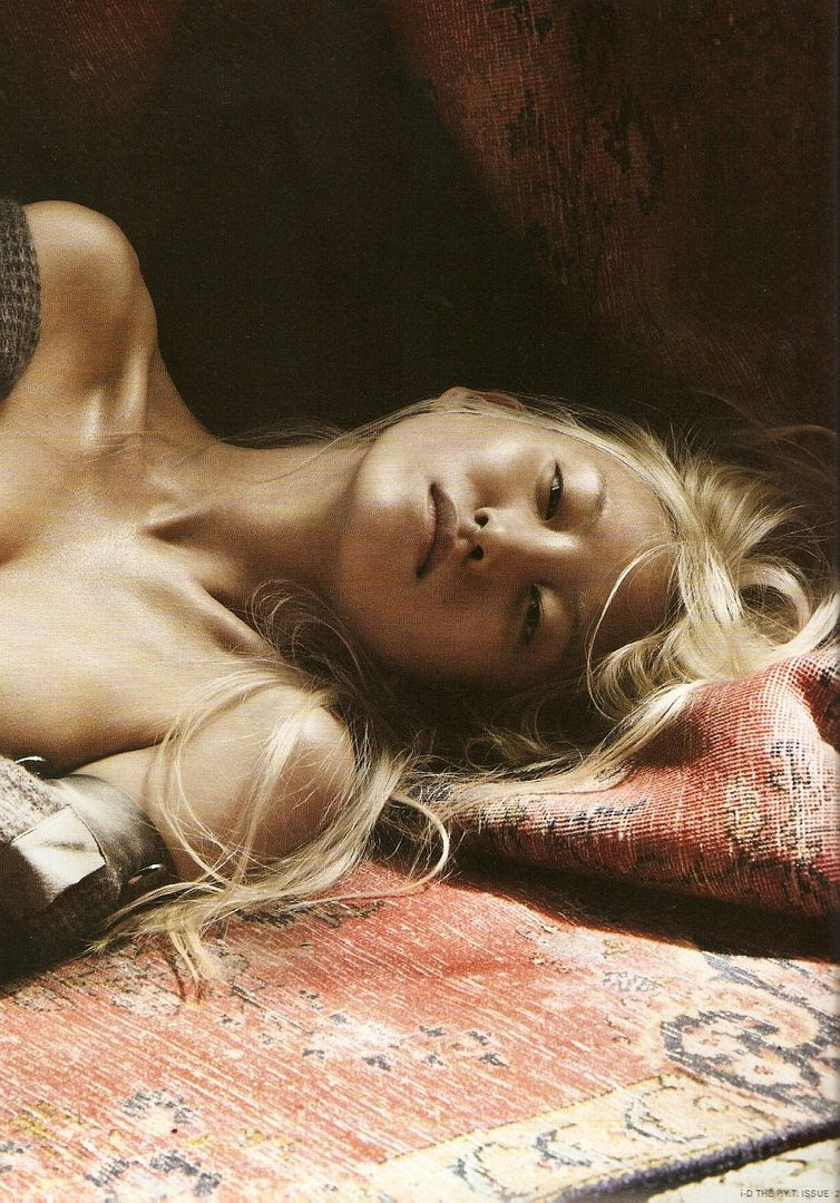 LE FASHION BLOG DAUL KIM LEOPARD AND LEATHER I-D MAGAZINE EDITORIAL PHOTOGRAPHER WILL DAVIDSON STYLIST ERIKA KURIHARA 2009 BLEACH BLONDE HAIR NATURAL BEAUTY NO MAKE UP NUDE BURN OUT FADED PERSIAN ORIENTAL RUG MID CENTURY MODERN HOME DECOR 2 photo LEFASHIONBLOGDAULKIMLEOPARDANDLEATHER2.jpg