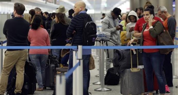 Aeropuertos EU reanudan actividades tras paso tormenta Jonás