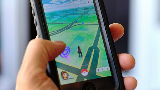2 Teens Inadvertently Walk Across US-Canada Border While Playing Pokemon Go - ABC News