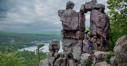 Through the Devil's Doorway: Hiking the Bluff Trails of Wisconsin's Devil's Lake State Park