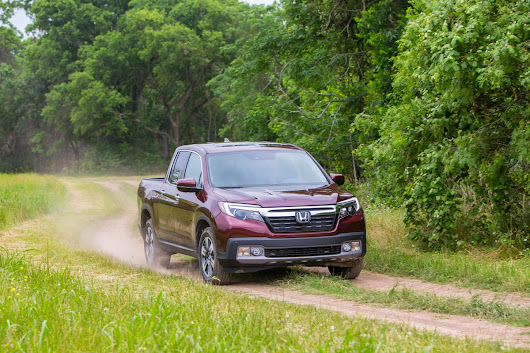 Hall Honda Virginia Beach | The 2018 Honda Ridgeline Features a High-Tech Truck Bed