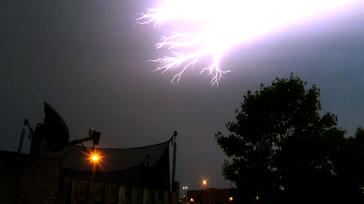 Lightning knocks out power in parts of Sudbury