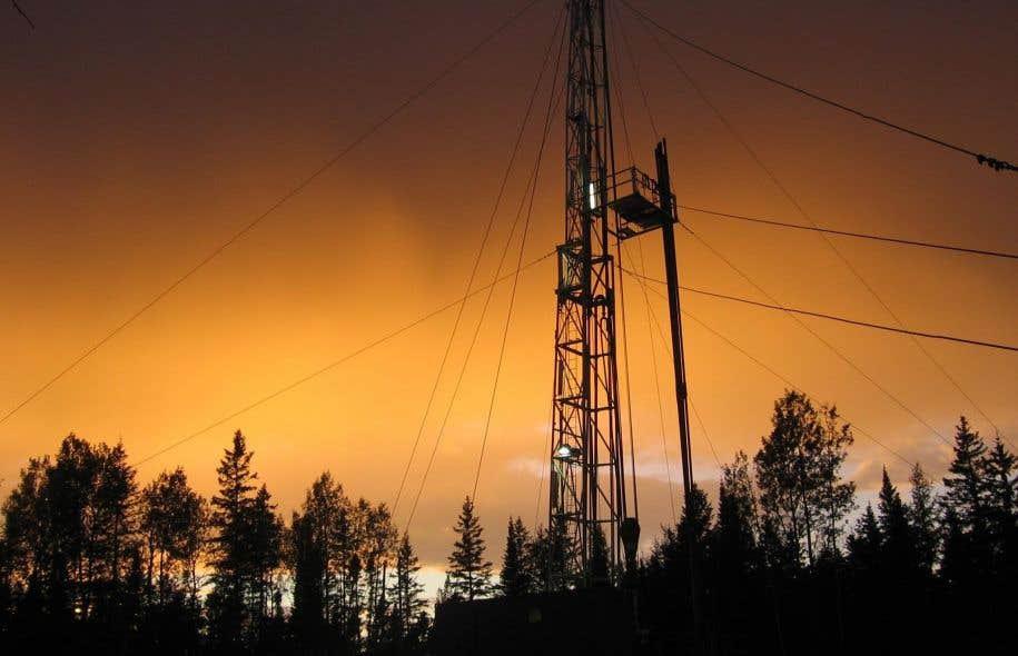Ces études serviront à orienter le Québec vers une exploitation d'hypothétiques gisements pétroliers et gaziers sur son territoire, estime le gouvernement.<br />