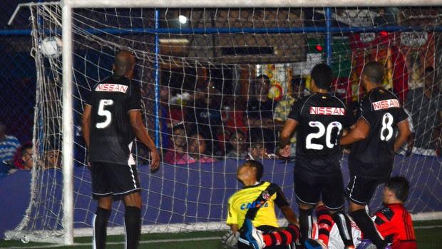Mikimba marcou dois dos gols do Flamengo no duelo contra o Vasco (Foto: Eduardo Aires/JornalF7.com)