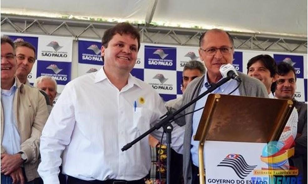 Prefeito Vaqueli em evento com o governador Geraldo Alckmin (Foto: Divulgação/Prefeitura de Tremembé)