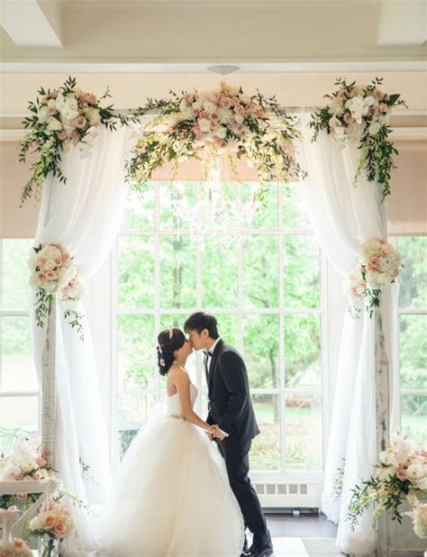 Best Ever Tulle Wedding Arch to Says Romantic Vows