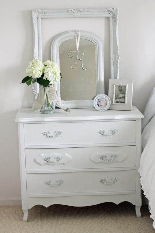 Tips On Choosing A Dresser Mirror