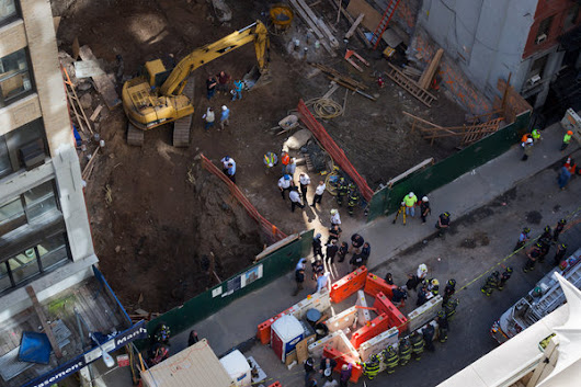 Concrete Slab Crushes Construction Worker in Midtown Manhattan - NYTimes.com