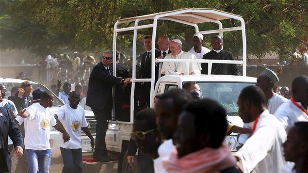 Le pape François s'est rendu dans le quartier musulman de Bangui, en Centrafrique.