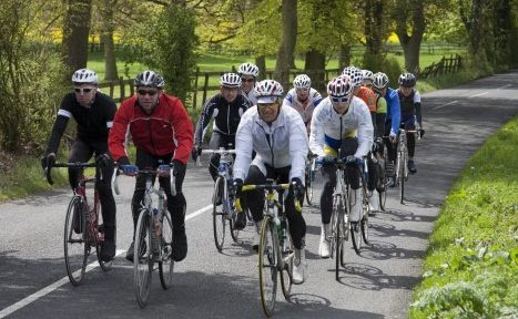 Tips on how to cycle properly in a group of cyclists