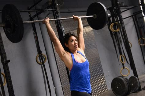 common reasons  women dont   lift weights