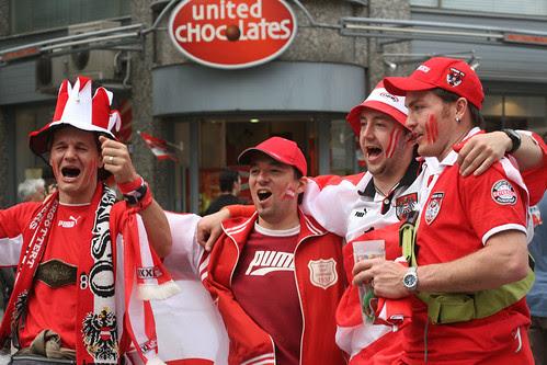 oesterreich fans nur 5personen im city center