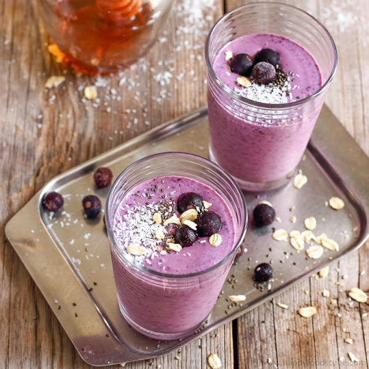 Blueberry Coconut Milk Smoothie with Oats