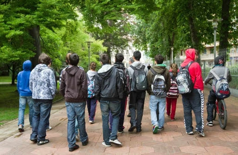 Estudiantes adolescentes en Vitoria.   Mitxi