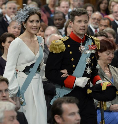 vDenmark's Crown Prince Frederik (R) and Crown Princess Mary
