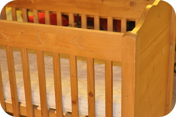 Le bonheur en famille nouveau lit douillet pour ma petite for Petit lit pour nouveau ne