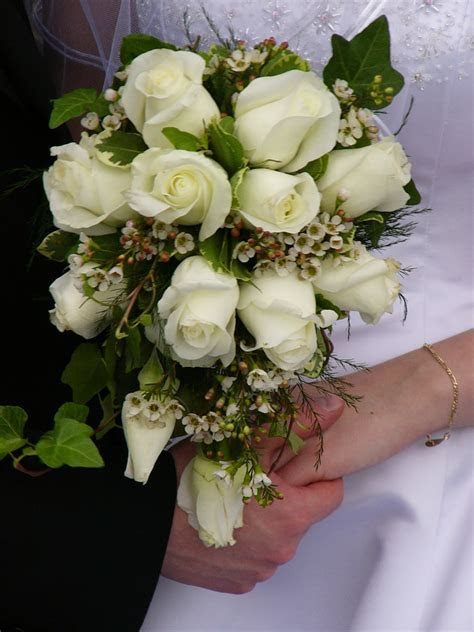 Beautiful and Gorgeous Bridal Bouquets Designs   Gifts