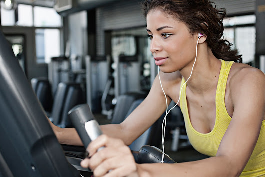 These Elliptical Workouts Will Actually Make You Enjoy Using the Elliptical