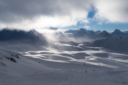 Val D'Isere. Endless Skiing - Images & Words