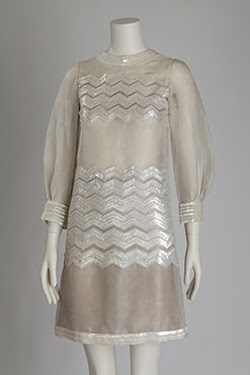 3/4 sleeve mini-dress with sequined silk in zig-zag pattern arocss chess and mid section