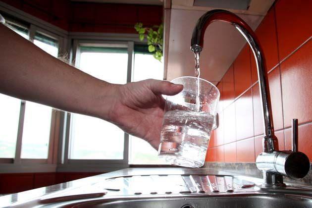 El gobierno australiano tiene programado introducir fluoruro en el agua potable