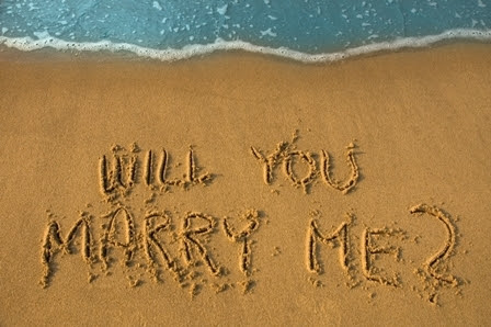 Will_you_marry_me_in_sand_large