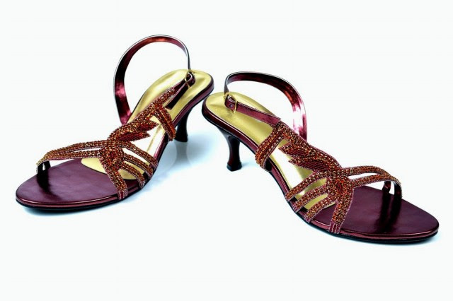 Girls-Womens-Beautiful-Fancy-High-Shoes-Eid-Footwear-Collection-2013-by-Metro-Shoes-5