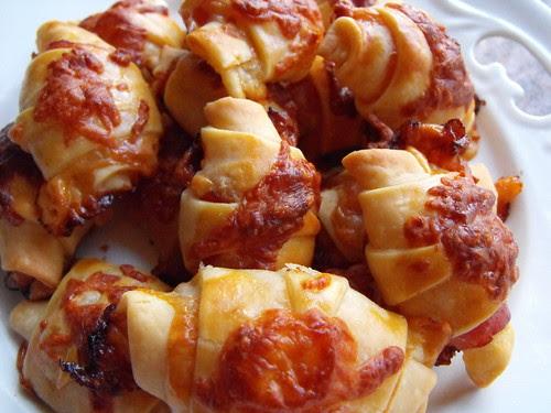 Croissants de queijo e fiambre