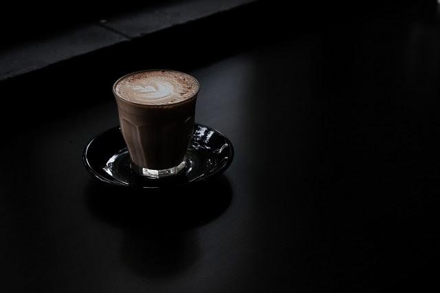 Menyeruput secangkir kopi sudah menjadi agenda pagi yang dilakukan banyak orang sebelum mu Mengatasi Candu Kopi di Bulan Puasa Dengan Mengonsumsinya Secara Sehat Tanpa Dehidrasi