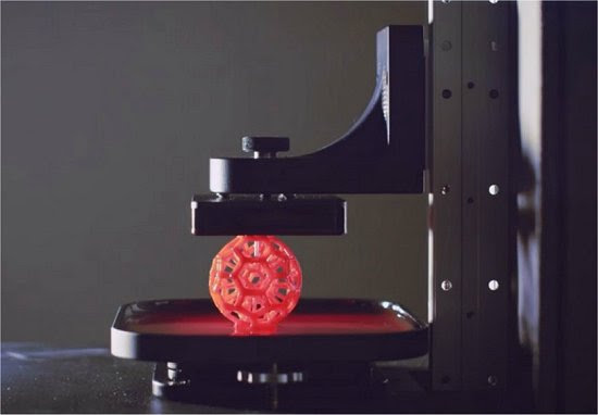 Sólidos emergem do líquido em nova técnica de impressão 3D