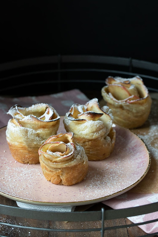 Vegan Apple Cinnamon Roses - Veggies Don't Bite