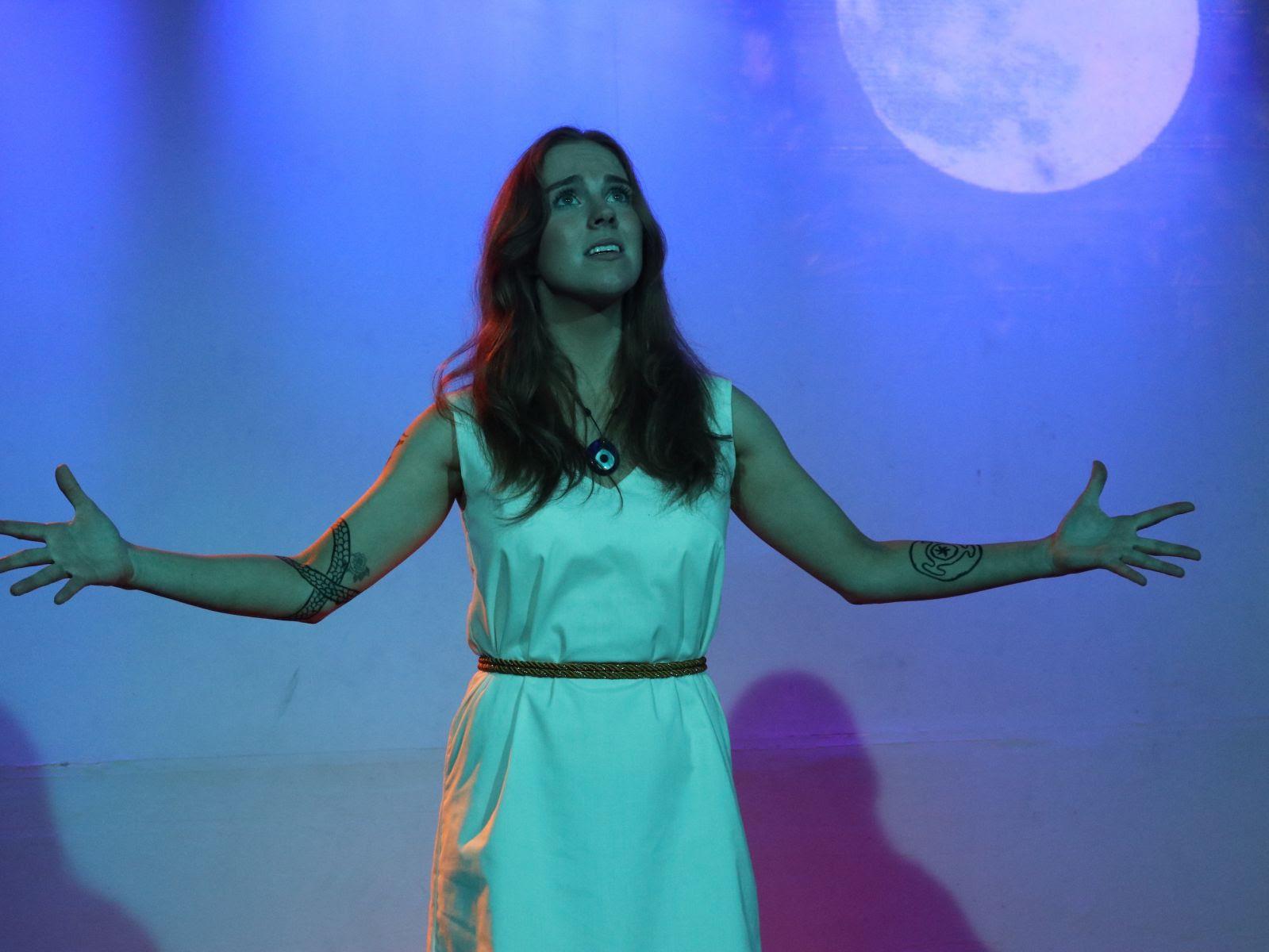 Siobhan Caufield as Simaitha