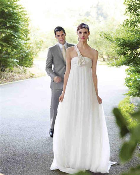 Perfect Gowns for an Outdoor Wedding   Martha Stewart Weddings