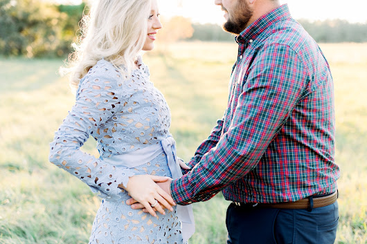 Stunning sunset holiday and maternity session a natural reserve - Orlando Wedding Photographers : Kristen Weaver Photography