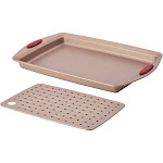 Rachael Ray 2-piece Nonstick Bakeware Crisper Pan Set, Brown/Red