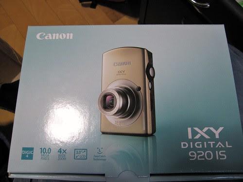 Canon IXY Digital 920 IS box