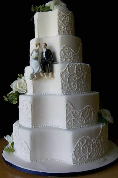 Wedding Cake Art and Design Center   Brighton, MI Wedding Cake