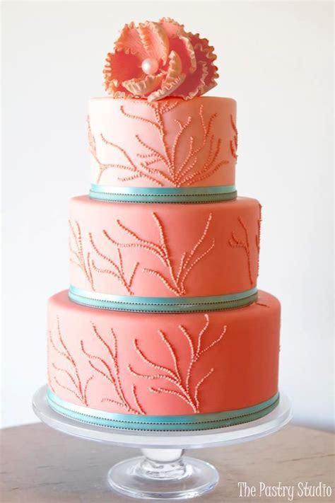 Best 25  Aqua wedding cakes ideas on Pinterest   Beach